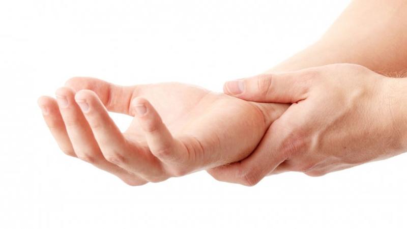 علائم رگ به رگ شدن مچ دست